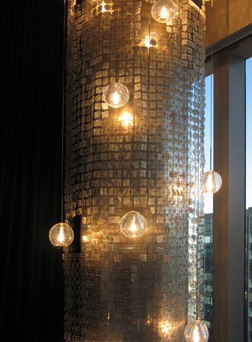 """Скулптурата на ABYU Lighting за Шон """"Диди"""" Комбс"""